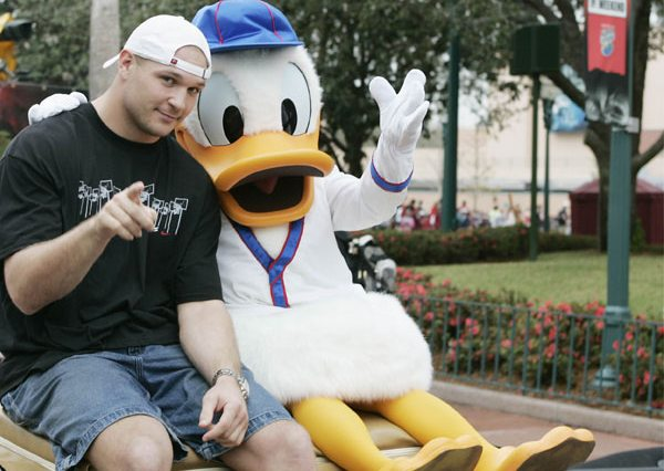 brian-urlacher-donald-duck